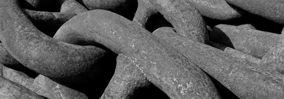 B&W image of mooring chain